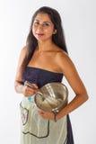Blandande kaka för nätt indisk kvinna royaltyfria foton
