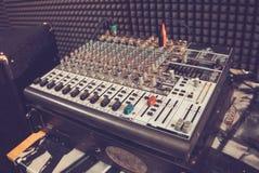 Blandande konsol för musik arkivbild