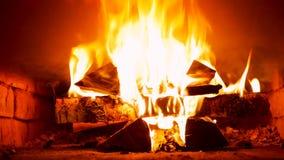 Blandande trä-bränning i ryssugnen arkivbild
