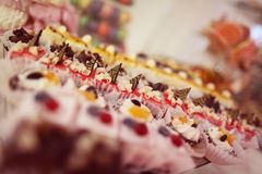 Blandning av mini- kakor Fotografering för Bildbyråer