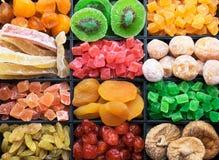 Blandning av olika torkade frukter arkivfoton
