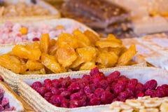 Blandning av olika torkade frukter Royaltyfri Bild