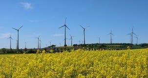 Blandning för alternativ energi arkivfilmer