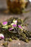 Blandningen av teet med steg Royaltyfria Bilder