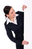 blank affärskvinnaholdingaffisch royaltyfria bilder