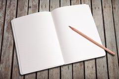 blank anteckningsbokblyertspenna Royaltyfria Foton