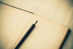 blank bokpenna Royaltyfri Bild