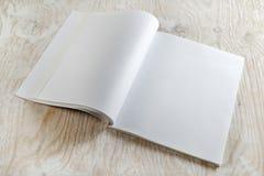 blank broschyren Arkivfoton