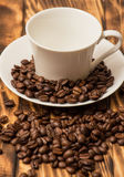 Blank coffee cup with coffee bean Royalty Free Stock Photography