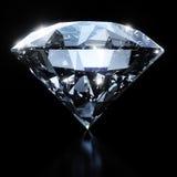 Blank diamant som isoleras på svart bakgrund Fotografering för Bildbyråer
