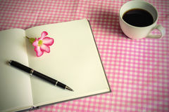 Blank note book with coffee Royalty Free Stock Photography