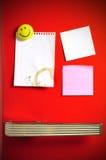 Blank note on fifties fridge door. Copyspace for message Royalty Free Stock Photos
