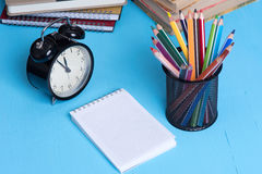 Blank Note Pad and colorful Pencils Stock Photography