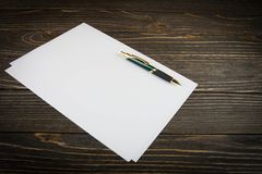 Blank note paper with pen Stock Photos