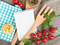 Blank notepad paper for your recipes and food Stock Photography