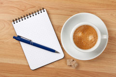 Blank notepad with pen and cappucino cup Royalty Free Stock Photos