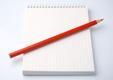 Blank notepad and a pencil Royalty Free Stock Photos