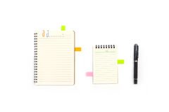 Blank notepad with reminder and pen Royalty Free Stock Photography