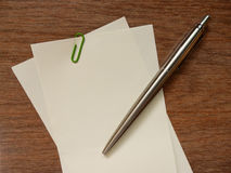 Blank paper note and pen (note space) Royalty Free Stock Images