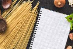The blank recipe book with italian spaghetti Stock Photography