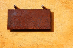 Blank rusty metal plate Royalty Free Stock Photography