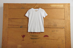 Blank t-shirts presentation Royalty Free Stock Photos
