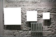 blank tegelsten inramniner väggen för grey tre Arkivbilder