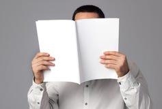 blank tidskrift arkivbild