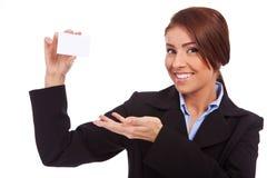 blank uppvisning för affärsaffärskvinnakort fotografering för bildbyråer