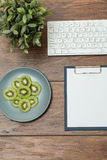 Blank white paper on clipboard Royalty Free Stock Image