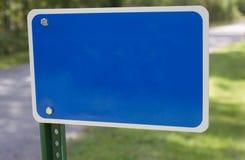Blankt blått brandnummertecken Arkivbilder