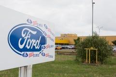 Blanquefort红葡萄酒,阿基旃法国- 06 14 2018年:福特工厂从福特FAI的汽车工作者 库存照片