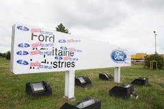 Blanquefort红葡萄酒,阿基旃法国- 06 14 2018年:福特美国汽车传动箱工人在法国与计划战斗关闭 免版税库存照片