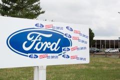 Blanquefort Μπορντώ, Aquitaine/Γαλλία - 06 14 2018: Η παραγωγή κιβωτίων ταχυτήτων αυτοκινήτων εργοστασίων της Ford θα κλείσει τις στοκ εικόνα