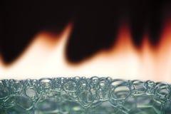 Blasen im Feuer Lizenzfreie Stockfotografie