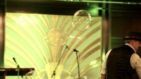 Blasenshow am Festival stock video footage