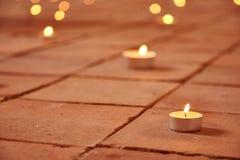 blask świecy na kamień ziemi zdjęcia royalty free