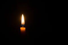 Blask świecy na czarnym tle fotografia stock