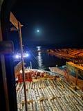 Blask księżyca nad wodą, Hawke& x27; s zatoki Napier port obrazy royalty free