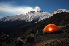 Blask księżyca zimy obóz Na Etna parku, Sicily zdjęcie royalty free