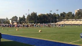 Blaskapelle-übende Bildungen auf Feld UCLA stock video footage