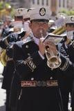 Blaskapellemusiker, Palmsonntag, diese Band trägt die Uniform von Kapitän der Gruppe der königlichen Eskorte von Alfonso XIII Lizenzfreie Stockfotos