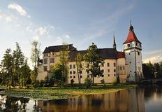Blatna vattenslott, Tjeckien Arkivbild