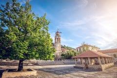 Blato村庄主要教会正方形在克罗地亚 免版税库存照片