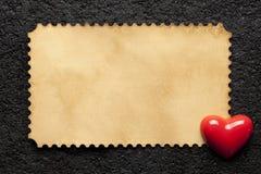Blatt des leeren Papiers und Zahl in Form eines Herzens Stockbild