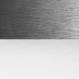 Blatt Papier und Metall Stockbild