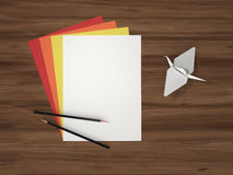 Blatt Papier und Origami Lizenzfreies Stockbild