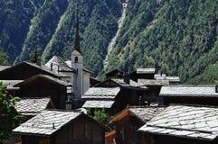 Blatten :瑞士高山村庄 Naters瓦雷兹,瑞士 库存照片
