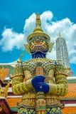 Blau angehoben an Smaragd-Buddha-Tempel Lizenzfreie Stockfotografie