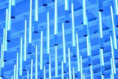 Blau beleuchtet Decke Lizenzfreie Stockfotos
